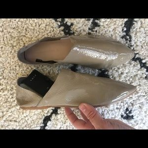 NWT Zara taupe patent leather flats